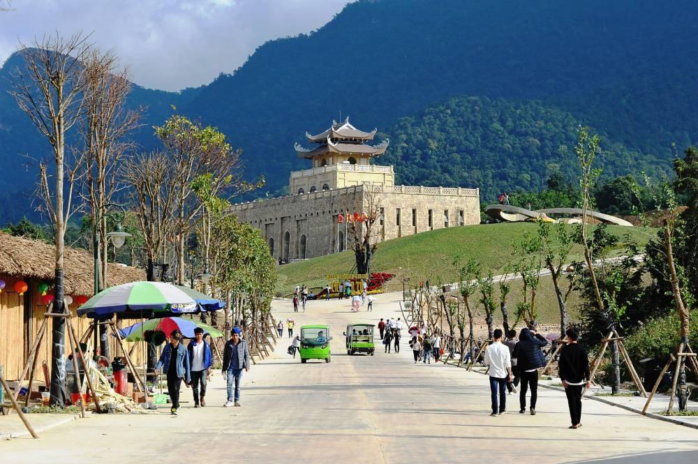 Khu du lịch tâm linh sinh thái Tây Yên Tử đón hơn 3.000 lượt khách dịp nghỉ lễ 30/4-1/5