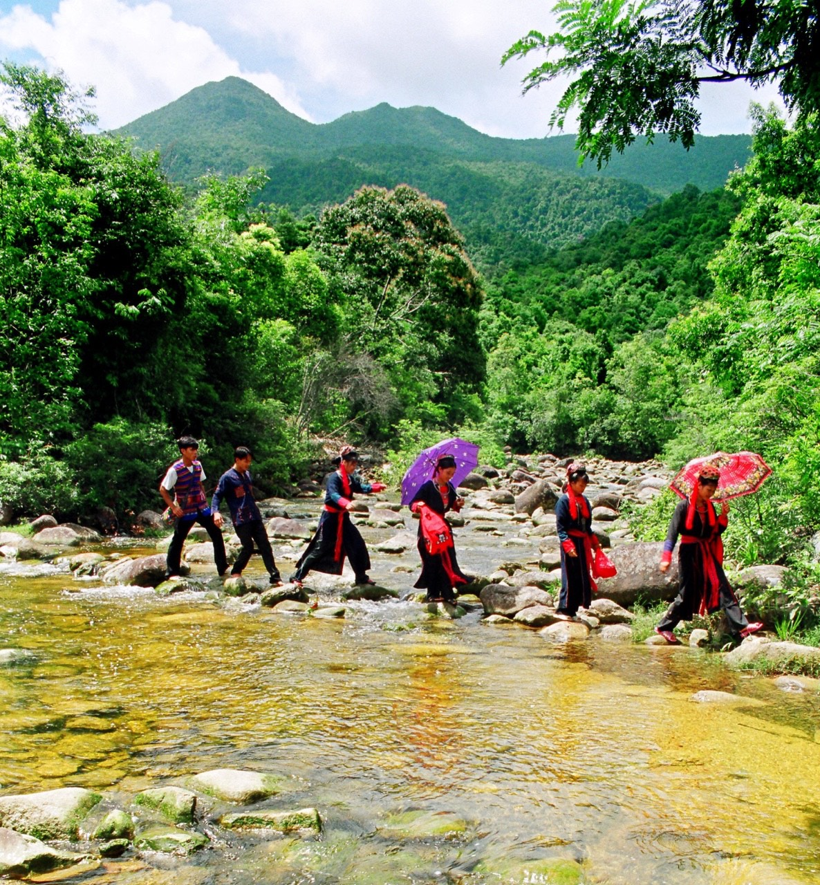Bắc Giang - Suối nước Vàng