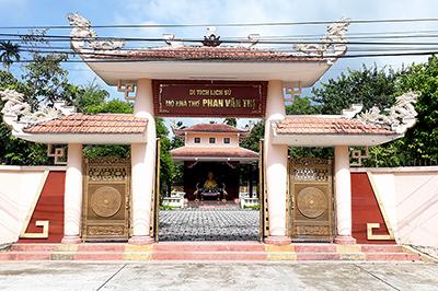 Phan Van Tri Poet Historical Monument