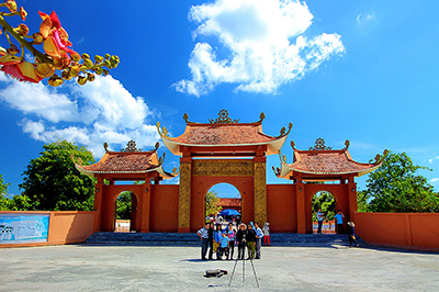 Truc Lam Phuong Nam Buddhist Meditation Monastery