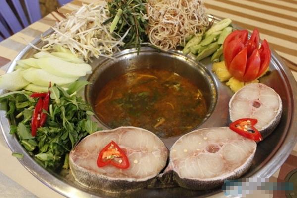 Lẩu chua cá nhám