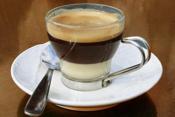 Cà phê sữa nóng